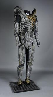 ALIENS (1986) - Alien Warrior Suit