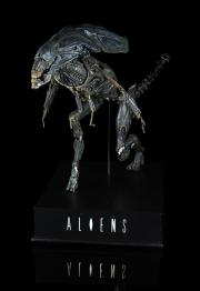 ALIENS (1986) - 1/4-Scale Alien Queen Puppet